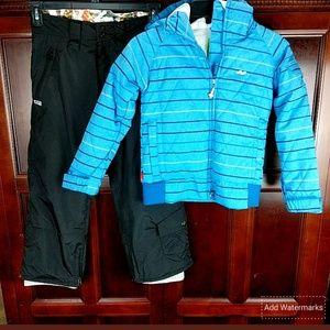 Foursquare 5k snowboarding jacket & pants wns S